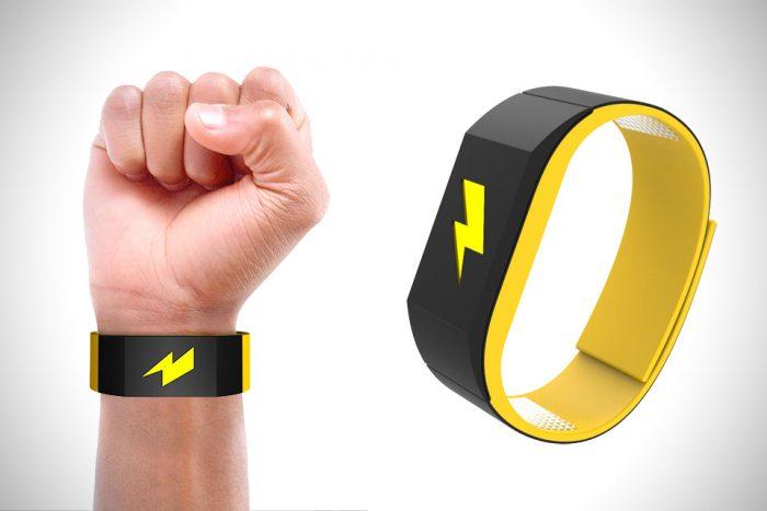 Pavlok: La pulsera que «electrocutará» a los compradores compulsivos