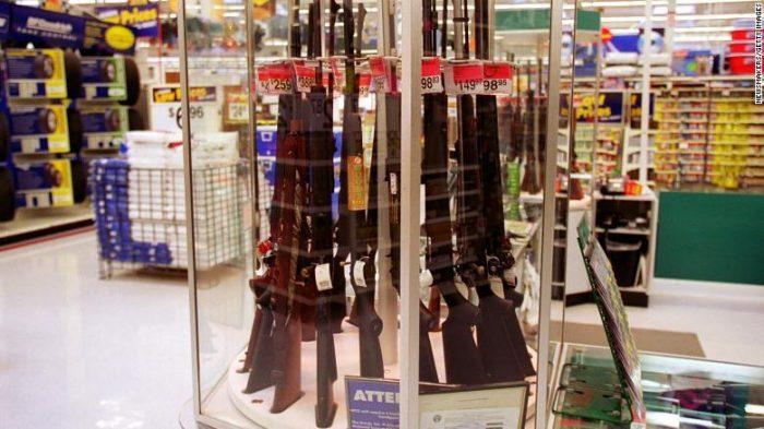 Walmart retira toda publicidad de videojuegos pero seguirá vendiendo armas