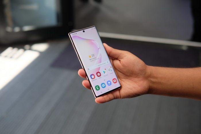 Samsung reducirá el hoyo en la pantalla en los Galaxy S11
