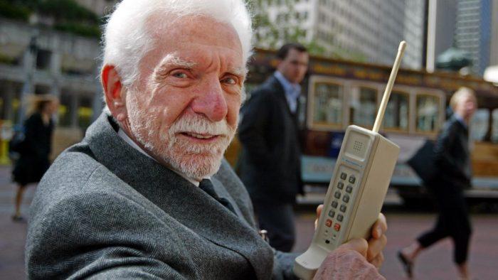 48 años después de la primera llamada móvil del mundo, Motorola sigue innovando en el camino del 5G